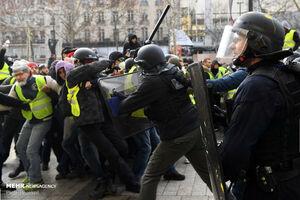 اعتراض ۱۲ هزار جلیقهزرد در فرانسه/شعار ماکرون استعفا بده