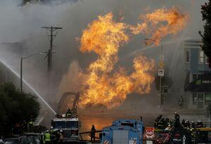 عکس/ تخریب 5واحد مسکونی براثر انفجار گاز