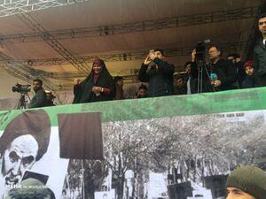 عکس/ حضور مرضیه هاشمی در راهپیمایی ۲۲بهمن