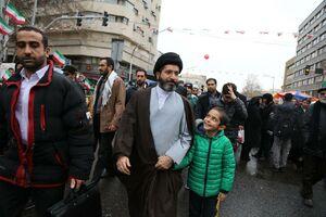 حضور فرزند رهبر معظم انقلاب در راهپیمایی ۲۲ بهمن