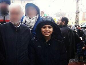 عکس/ پسر شهید احمدی روشن در راهپیمایی 22 بهمن