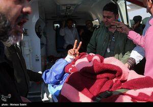 عکس/ اقدام جالب یکی از مجروحین حادثه تروریستی خاش