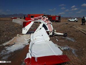 عکس/ سقوط هواپیمای فوق سبک در کاشمر