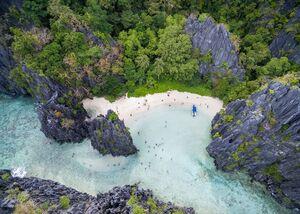 تصاویر زیبا از ساحل پنهان در فیلیپین