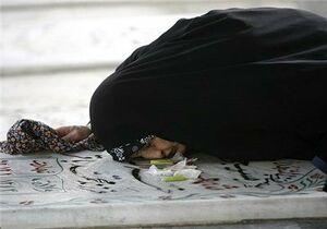 هیچ وقت روی قبر شهید پا نذارید +عکس