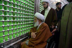 حضور رهبر شیعیان بحرین در حرم امام خمینی