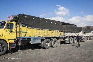 عکس/ کشف محموله ۵ میلیاردی کالای قاچاق