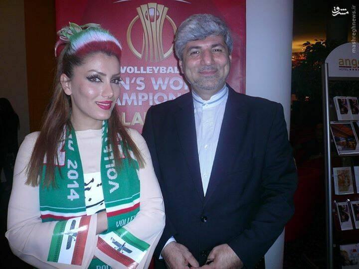 Image result for سفیر با زن فوتبالی بی حجاب در لهستان