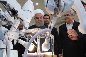 عکس/ بازدید روحانی از شهرک فناوری پردیس