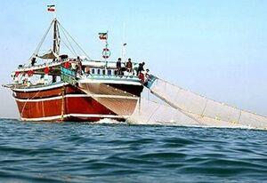 فیلم/ غرق شدن لنج ایرانی در خلیج فارس