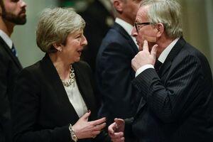 ژان کلود یانکر با ظاهر جدیدش مذاکرات جدیدی را با ترزا می برای اصلاح مفاد برگزیت آغاز میکند. نخستوزیر بریتانیا آن قدر تحت فشار است که از هماکنون اعلام کرده تا چند ماه دیگر کنار خواهد رفت