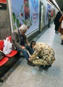 عکس زیبا از سرباز مهربان