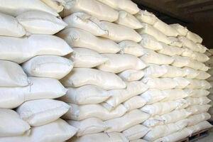 فیلم/ کشف 300 تن آرد قاچاق در سوسنگرد