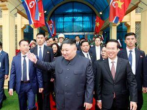 عکس/ رهبرکره شمالی وارد ویتنام شد