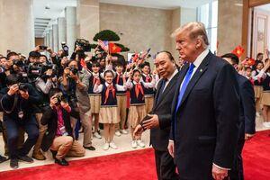 عکس/ ترامپ وارد ویتنام شد