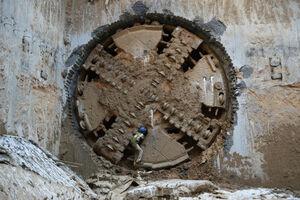 فیلم/ عملیات حفاری مکانیزه تونل متروی اسلامشهر توسط قرارگاه خاتم