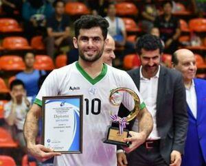 عکس/ بازیکن ایرانی بهترین و فنیترین فوتسالیست آسیا شد