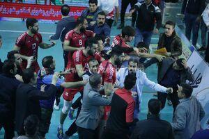 درگیری ملی پوش والیبال در لیگ برتر +عکس و فیلم