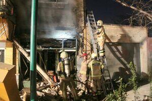 عکس/ انفجار مغازه قلیانفروشی در خیابان ولیعصر