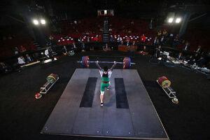 عکس/ چهارمین دوره وزنه برداری جام فجر