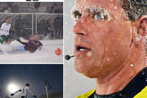 فیلم/ مسابقه فوتبال در دمای منفی 8 درجه!