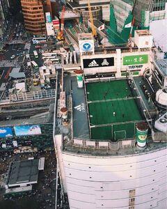 عکس/ فوتبال روی برج!