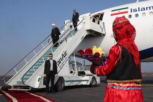 عکس/ ورود روحانی به فرودگاه رشت