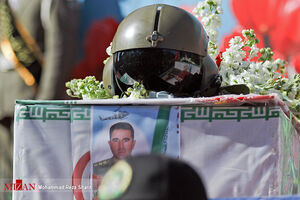 عکس/ تشییع پیکر شهدای خلبان حادثه سقوط بالگرد