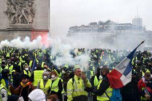 اعتراضات جلیقه زردها به فرودگاه پاریس کشیده شد