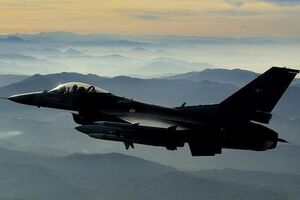 وزارت دفاع عراق، ۶ جنگنده اف ۱۶ تحویل گرفت