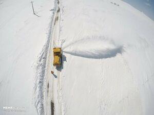 عکس/ تلاش شبانهروزی راهداری برای بازگشایی جادههای برفی