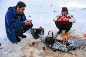 عکس/ بارش برف در ارتفاعات قم
