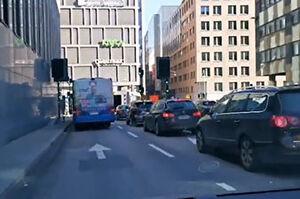 فیلم/ لحظه انفجار یک اتوبوس در سوئد