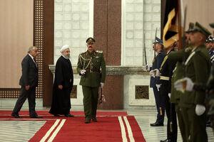 عکس/ استقبال رسمی از روحانی در کاخ نخستوزیری عراق