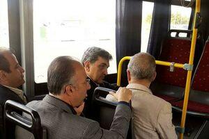 عکس/ با شهردار تهران تو اتوبوس