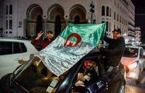 عکس/ شادمانی شبانه مردم الجزایر