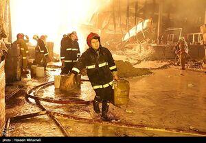 آتشسوزی گسترده در کارگاه تولید پلاستیک
