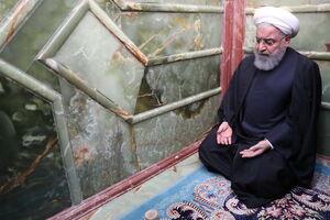 عکس/ روحانی در حرم امیرالمومنین (ع)