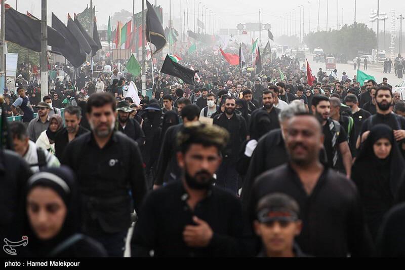 راهپیمایی عظیم اربعین حسینی به سمت کربلا