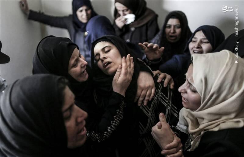 سوگ مادر نوجوان 15 ساله در خان یونس پس از شهادت وی به دست سربازان رژیم صهیونیستی
