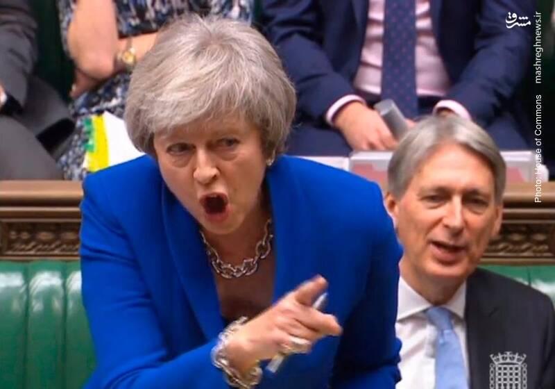 عقبانداختن رأیگیری در مورد لایحه برگزیت در مجلس عوام بریتانیا از سوی ترزا می دردی را دوا نکرد و وی متحمل بزرگترین شکستِ سیاسیِ یک نخستوزیر در تاریخ صدساله آن کشور شد.