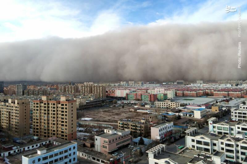 طوفان ریزگرد در گانسوی چین