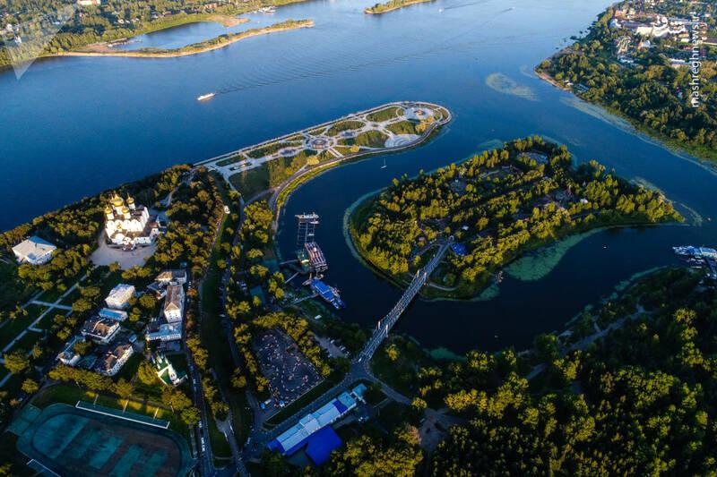 کلیسای اوسپنسکی در تلاقی رود ولگا در یاروسلاول روسیه