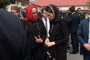 عکس/ دیدار نخستوزیر نیوزیلند با خانواده قربانیان