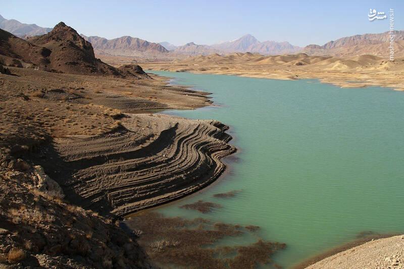 نمایی زیبا از سد شهید شاه چراغی