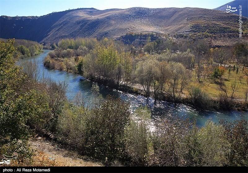 از تلاقی رودخانه های قره سو و گاماسیاب در مرز ایلام و لرستان ،رودخانه ی سیمره به وجود آمده است. این رود تا انتهای کرخه امتداد می یابد و ۶۵۰ کیلومتر طول دارد.
