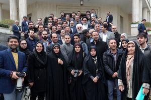 عکس یادگاری خبرنگاران با روحانی