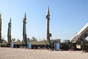 """منظور رهبر انقلاب از """"موشکهای نقطهزن"""" کدام موشکها بود؟ +عکس"""