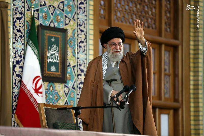 عکس/ سخنرانی رهبری در حرم امام رضا(ع)