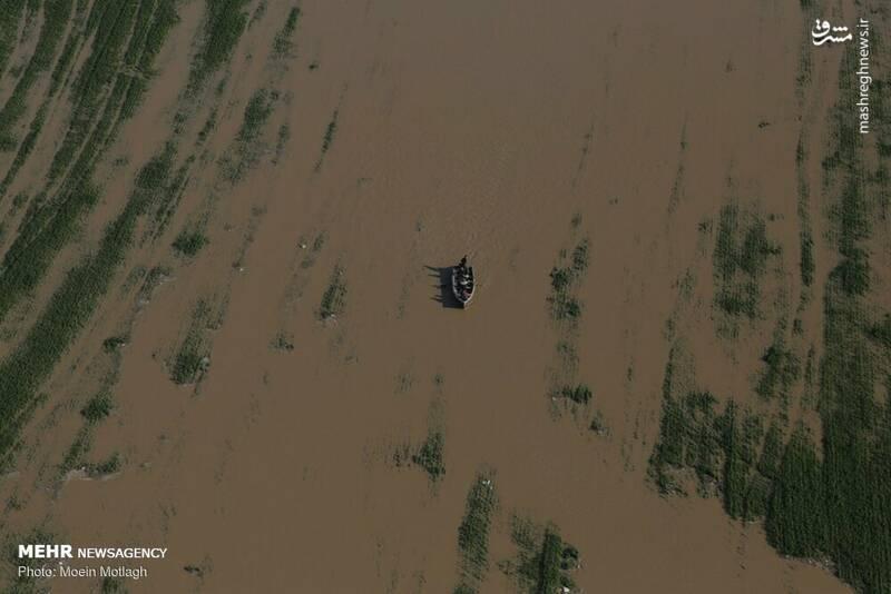 فرماندار شهرستان آق قلا هم گفت: در حال حاضر ۱۲ روستای این شهرستان در حاشیه گرگانرود و اطراف آن در آب محصور هستند.